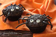 Spooky Spider Cupcakes - These cupcakes are made with just THREE ingredients: boxed cake mix, canned pumpkin and WATER! fun food, spiders, cupcakes, bake, drink, cupcak recip, spider cupcak, halloween, spooki spider