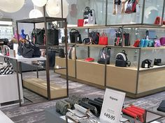 SOUTH HOLLAND RETAIL & FASHION NEWS: MAR 2018 Find out about Hudson's Bay adjusting its merchandise assortment, ShoeLine going out of business, Uniqlo opening in Amsterdam, Perry Sport adding a flagship store in Rotterdam and more...
