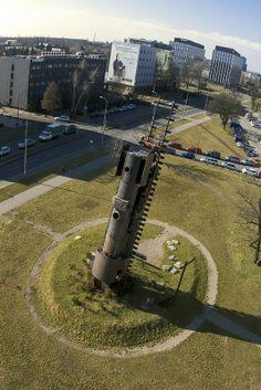 Pociąg do nieba – rzeźba miejska położona we Wrocławiu przy placu Strzegomskim.