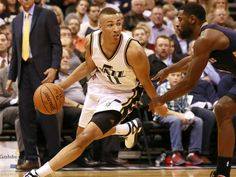 Utah Jazz guard Dante Exum dribbles the ball during the game against the  New Orleans Pelicans a6fc23385