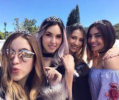 Que lindas son El team Queen Casual Fall Outfits, Celebs, Celebrities, Girls Best Friend, Girl Power, Squats, Mirrored Sunglasses, Queen, Actors
