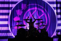 Travis Barker, Blink 182, Fb Covers, Cool Bands, Neon Signs, Music, Wallpaper, Life, Musica