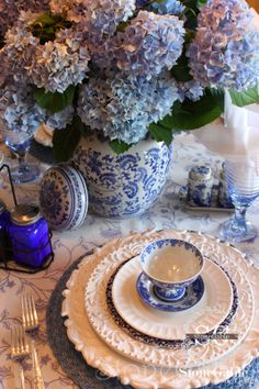blue and yellow tablescapes | ADDING POP, PRETTY AND PIZZAZZ TO ANY TABLE, PART I