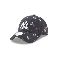 online store e8bb0 d6cdf NEW YORK YANKEES BLOSSOM LIGHTLY STRUCTURED WOMENS 9TWENTY ADJUSTABLE. New  Era Cap