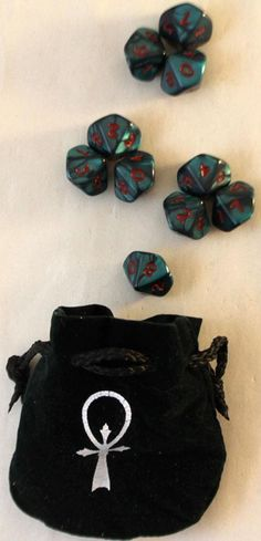 White Wolf Vampire - The Masquerade - Merchandise Vampire - The Masquerade - Dice Set (NM) (no bag!). Vampire - The Masquerade - Dice Set NM. The set includes a carrying tube and ten 10-sided dice. Their elegant marble finish is designed to last a lifetime, even for an immortal. | eBay!
