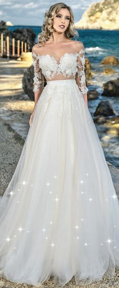 Charming Tulle V-neck Neckline See-through Bodice A-Line Wedding Dress With Beaded Lace Appliques