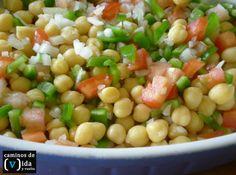 Ensalada de legumbres: garbanzos.