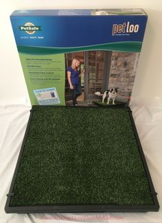 The Pet Loo Portable Pet Potty by PetSafe. Perfect for potty training, older pets, travelling and dogs that don't like to get their paws wet or muddy! Review #sp
