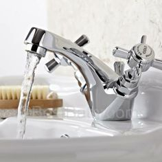 This mono basin mixer is great for creating a classic look
