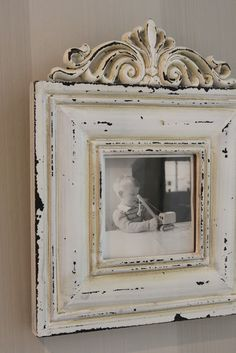 Distressed Picture Frames, Mirrored Picture Frames, Painted Picture Frames, Antique Picture Frames, Diy Painting, Painting On Wood, Repurposed Furniture, Painted Furniture, Picture Frame Crafts