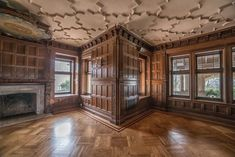 Photographer Kris Catherine gives an exclusive look inside the opulent mansions of Elkins Estate Old Mansions, Mansions For Sale, Abandoned Mansions, Victorian Farmhouse, Victorian Homes, Victorian Interiors, Farmhouse Style, Old Abandoned Buildings, Abandoned Castles
