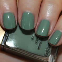 YSL La Laque Couture Jade Imperial Swatches & Review (vampy varnish blog)