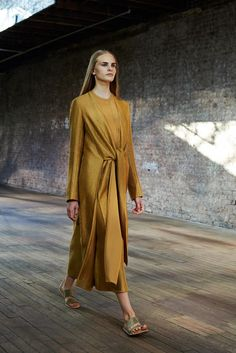 The Row Spring 2015 Ready-to-Wear - Collection - Gallery - Look 1 - Style.com