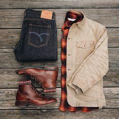 Nice kit from @evanholahan good weekend ✊ Jacket - @taylorstitch Flannel - @3sixteen Denim - @flathead1996 Socks - @jcrewmens Boots - @thursdayboots #menswear #boots #rugged