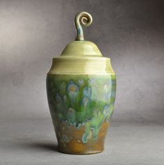 Image of Lidded Jar Green Tea Crackle w/Curly Knob