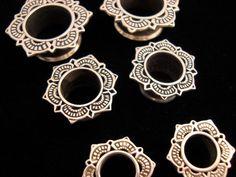 Silver Lotus Eyelets