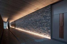 Corridor Lighting, Spa Lighting, Cool Lighting, Outdoor Lighting, Lighting Design, Modern Exterior Lighting, Interior Lighting, Atrium Design, Flur Design