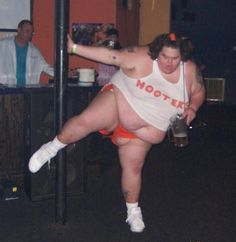 Hooters Has One Best Beers and Chicken Wings ---- funny pictures hilarious jokes meme humor walmart fails