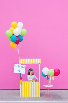 cute at a fundraiser/bake sale type of event  Balloon Stand DIY