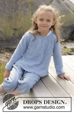 Knitted DROPS jumper in garter st with leaf pattern and round yoke, worked top down in Belle. Size 3 - 14 years Free knitting pattern by DROPS Design. Baby Knitting Patterns, Baby Cardigan Knitting Pattern, Knitting For Kids, Free Knitting, Knitting Yarn, Crochet Patterns, Girls Sweaters, Baby Sweaters, Baby Pullover