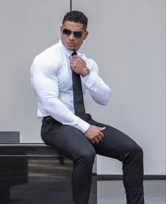 """""""Let them underestimate you, it will be fun"""" wearing Handsome Men Quotes, Handsome Arab Men, Stylish Men, Men Casual, Strong Woman Tattoos, Costume Sexy, Moda Formal, Hunks Men, Mens Fashion Suits"""