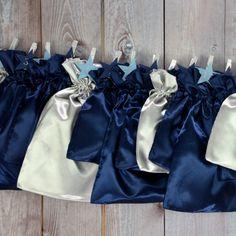 """All-Inclusive Adventskalender """"Simply Blue"""".  Silber, blau und nochmal blau. Ein Mix wie ein Sternenhimmel."""