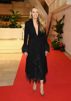 Pin for Later: Blake Lively Fait des Étincelles à Cannes