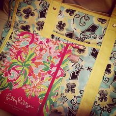 #lillyagenda via @ katelynbreen   A Theta Lilly tote & new #lillyagenda is all this girl needs for a successful senior year! First entry? My best friends wedding!