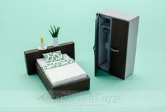B3M_7002 Cricut, Silhouette Files, Miniature Furniture, Floating Nightstand, Bookends, Diy And Crafts, Decorative Boxes, Miniatures, Table