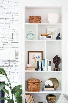 Glass Display Shelves, Glass Shelves In Bathroom, Floating Glass Shelves, Diy Home Decor Bedroom, Bedroom Wall, Dream Bedroom, Master Bedroom, Built In Bookcase, Bookshelves