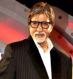 बॉलीवुड के सदी के महानायक अमिताभ बच्चन 'इंडिया बाई द नील' महोत्सव के लिए अपनी मिस्र यात्र
