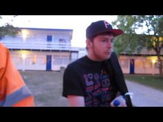 REEPS ONE Amazing = freestyling outside with his mates at Bangface 2011 DUBSTEP BEATBOX CHAMP!