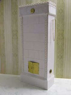 Miniature Dreamworld: tiled stove