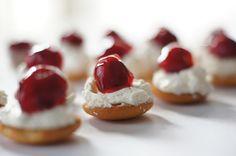 mini cherry cheesecake bites Cherry Cheesecake Bites, Mini Cherry Cheesecakes, Cookie Recipes, Dessert Recipes, Desserts, Thanksgiving Platter, Easy No Bake Cookies, Sweet Stuff, Nom Nom