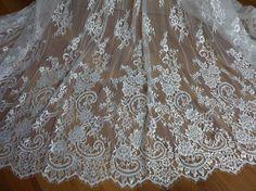 Elfenbein französischer Chantilly Lace Gewebe von lacelindsay