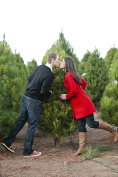 Christmas Engagement Session by joielala photographie First Christmas Photos, Christmas Tree Lots, Christmas Mini Sessions, Christmas Couple, Holiday Pictures, White Christmas, Christmas Outfits, Xmas Tree, Family Christmas