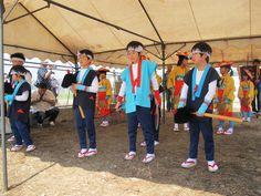 【御田植】平成24年5月26日、伝統的稲作行事『御田植』(主催・巴会)での、押切田植踊り保存会・押切子供会の皆さんによる「押切田植踊り」の様子⑦です。