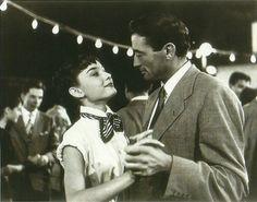 """Inspiration party """"Roman Holidays"""": Audrey Hepburn y Gregory Peck en el embarcadero del castillo de SantAngelo"""