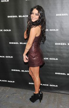 Vanessa Hudgens Photos - Actress Vanessa Hudgens poses backstage at the Diesel Black Gold Fall 2011 fashion show during Mercedes-Benz Fashion Week at Pier 94 on February 15, 2011 in New York City. - Diesel Black Gold - Backstage - Fall 2011 Mercedes-Benz Fashion Week