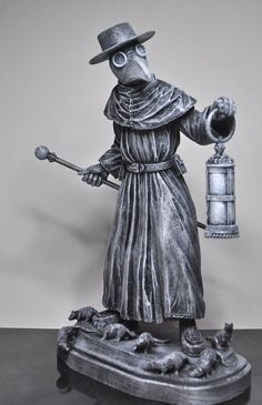 Plague Doctor Statue, so neat and detailed.