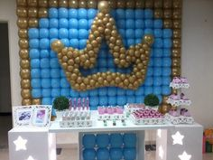 Balloon Crown, Balloon Arch, Baby Shower Backdrop, Baby Shower Balloons, Baloon Wall, Crown Wall Decor, Castle Party, Celebration Balloons, Rock Star Party