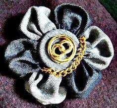LK Couture.: Une jolie broche -fleur en jean.