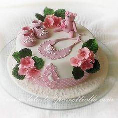 Baby royal icing Cake #babycake #babyroyalicingcake Iscriviti al mio canale YouTube  @30dolcipassioni dopo attiva notifiche cliccando sulla campana  #royalicingart #artist #sugarpaste #fondantcake #pasteleria #amazing #instafood #royalicingcookies #cakedecorating #dessertporn #delish #ghiacciareale #royalicing #icingroses #cakedesign