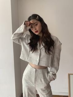 How often do you run across something fabulous, that influences your style? See something you love? Then, shop the pieces our editors are praising right now. Korean Girl Fashion, Korean Street Fashion, Ulzzang Fashion, Asian Fashion, Look Fashion, Fashion Outfits, Fashion Tips, Classy Fashion, 80s Fashion