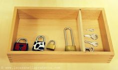 Montessori: Practical Life Activities For Young Kids - Keys and Padlocks Maria Montessori, Montessori Trays, Montessori Preschool, Montessori Materials, Toddler Fine Motor Activities, Dementia Activities, Class Activities, Tot Trays, Montessori Practical Life
