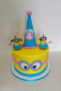 https://flic.kr/p/xEsLEh | Girls Minion themed birthday cake