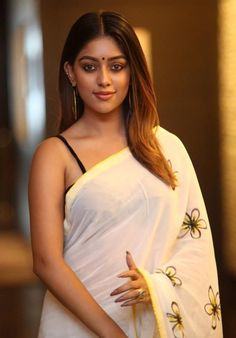 Telugu Heroine Anu Emmanuel White Saree Photos Tollywood Actress Anu Emmanuel in White Sleeveless Hot Saree Photos Latest New HD HQ Beautiful Sexy Glamorous Cute Gorgeous Pics Stills images Pictures Photoshoot Beautiful Girl Indian, Most Beautiful Indian Actress, Beautiful Actresses, Beautiful Saree, Beautiful Lips, Indian Actress Hot Pics, South Indian Actress, Indian Actresses, Beauty Full Girl