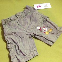 Pantalón con flores bordadas, 3-6 meses, Q15.00