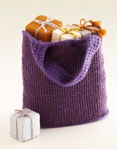Free Crochet Pattern L0231AD Two-Color Tunisian Crochet Tote : Lion Brand Yarn Company
