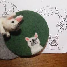 フレブルに苦戦中。 そもそも絵がフレブルに見えない。 * こんな適当な落書き程度でコースター作ってます(´-ω-`) * #制作途中をご紹介 #羊毛フェルト#フレンチブルドッグ #フレブル#犬#コースター#ハンドメイド#雑貨#needlefelting#handmade#coaster #frenchbulldog#dog